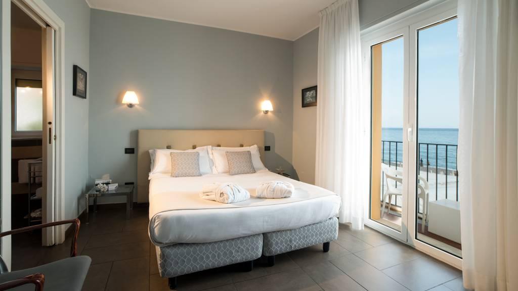 Hotel-Albatros-Varigotti-01-11camere