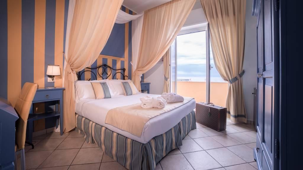 Hotel-Albatros-Varigotti-01-27camere