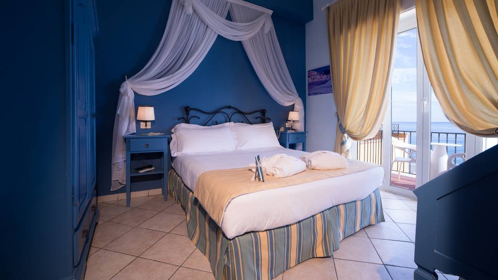 Hotel-Albatros-Varigotti-01-33camere