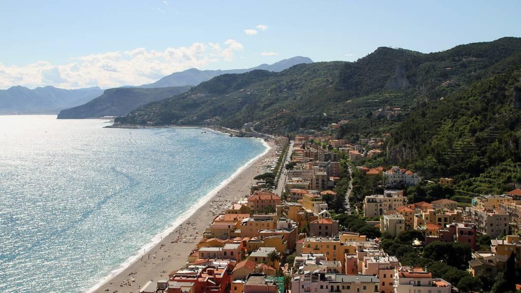 Varigotti---Riviera-delle-Palme